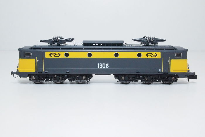 Startrain N - ST 60141 - E-loc series 1300 of the NS  (3)