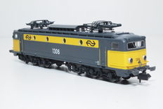 Startrain N - ST 60141 - E-locomotive series 1300 of the NS  (2)