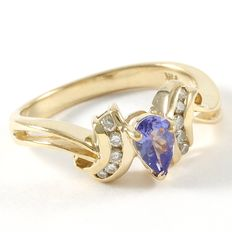 14kt Yellow Gold Ring  Set with Tanzanite and Diamonds