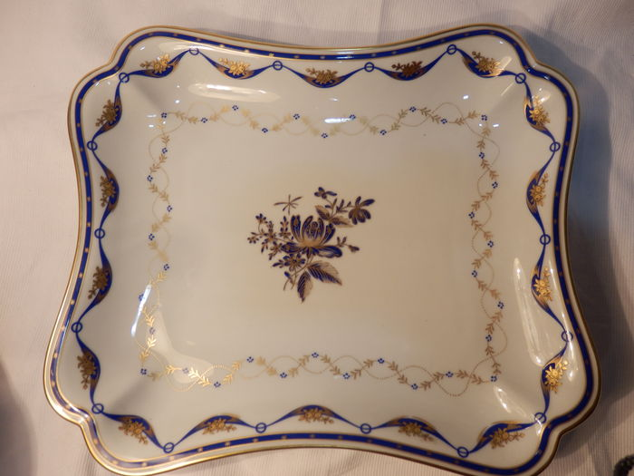 Porcelain Terrine with Flower Motifs By Vista Alegre, Fontainebleau Collection.