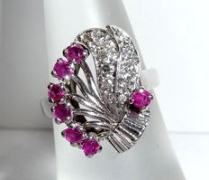 14 kt / 585 white gold diamond ruby ring, a flower bouquet with gold and precious stones.