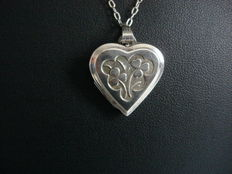 Kordes & Lichtenfells, signed silver vintage medallion heart with necklace, room for 2 photos