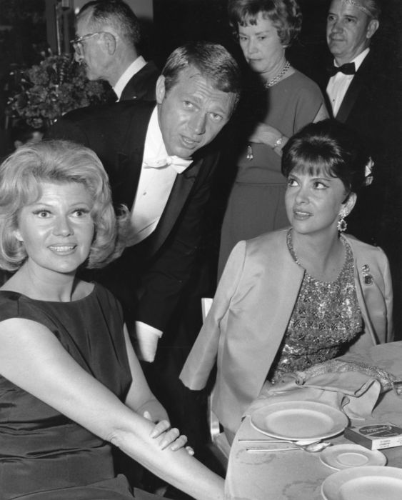 Unknown - Steve McQueen & Rita Hayworth & Gina Lollobrigida - Hollywood - 1964