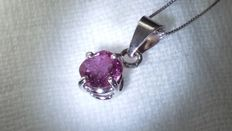 Necklace and pendant in white gold with IGI certified 0.95 ct pink-purple sapphire – NO RESERVE PRICE