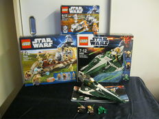 Star Wars - 7929 + 9498 + 7913 - The Battle of Naboo + Saesee Tiin's Jedi Starfighter + Clone Trooper Battle Pack