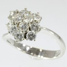 1,25ct diamond cluster gold 18kt engagement ring