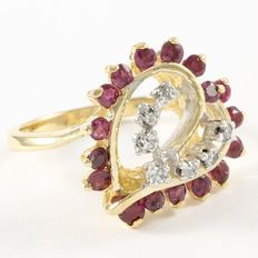 14kt Yellow Gold Ring  Set with Diamonds and Ruby