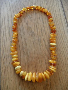 Necklace of Baltic amber with amber clasp, egg yolk colour, 8.2 grams