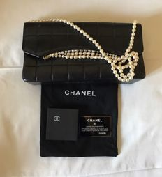 Chanel – shoulder bag – 2.55 with pearls strap