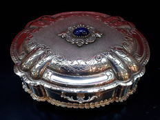 Handmade chiselled silver box, Italy