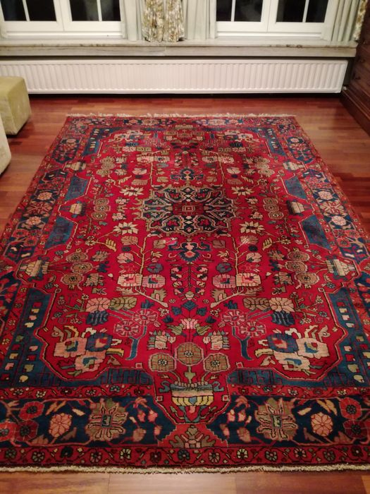 Hand knotted Persian Rug - Nahavand Iran
