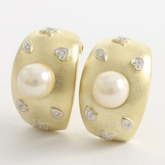14kt Yellow Gold Earrings with Fresh Water Pearls and 0.06 ct Diamonds, 14 x 25 mm