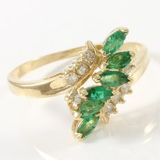 14kt Yellow Gold Ring  Set with Diamonds and Emerald