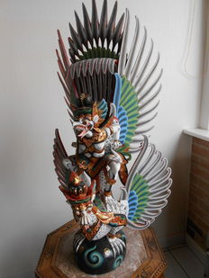 Large polychromed Indonesian statue 80 cm Garuda and Naga - Bali - Indonesia