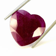 Purple red ruby – 21.17 ct