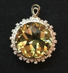 10.70 ct Citrine pendant surrounded with 54 diamonds 0.32 ct - 14kt gold