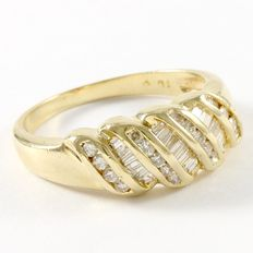 14kt Yellow Gold Ring  Set with Diamonds