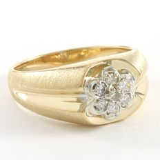 Men's 14kt Yellow Gold Ring Set With Diamonds