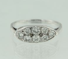 White gold and silver ring set with 8 old Amsterdam cut diamonds