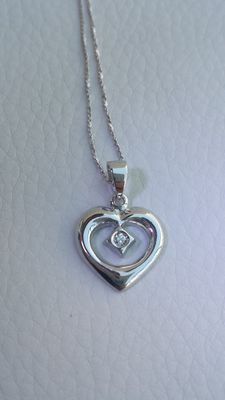 18 kt white gold necklace with heart pendant and diamond 0.07 ct, colour G/VVS - 44 cm