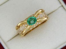 18 kt yellow gold ring - emerald - diamonds - ring size: 54 - Its size can be increased or decreased in 4 numbers.