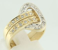 18 kt bi-colour gold ring set with 21 octagon cut diamonds; ring size 17 (53)