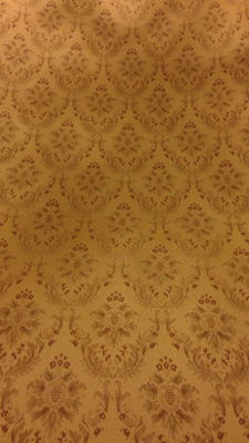 Luxurious vintage damask fabric – Gold tones – 5.15 x 2.80 metres in length.