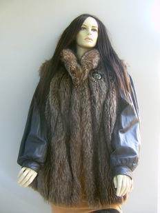 Domus – Marmot fur and leather