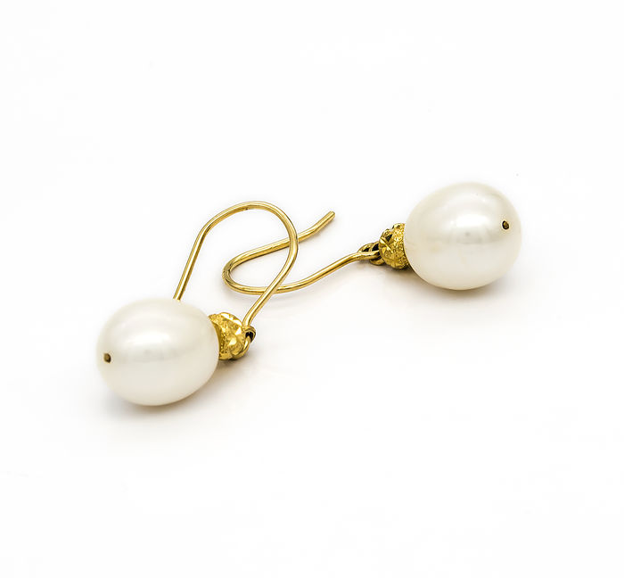 hollow with gold enamel pearls comprising shaped cloisonn pin earring pear a and
