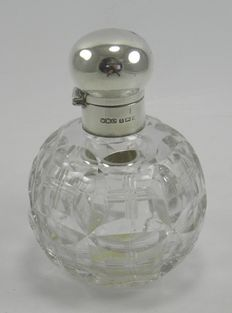 Art Deco Silver & cut glass perfume scent bottle, Wilmot Manufacturing Co, Birmingham 1923