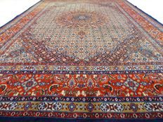 """Moud – 300 x 205 cm – """"Persian carpet with silk – Eye-catcher in beautiful condition."""""""
