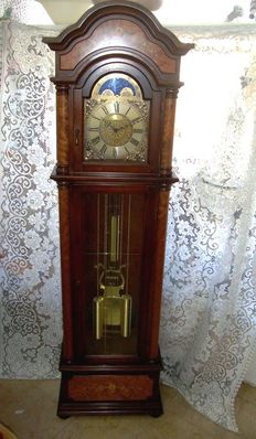 A tall mechanical Clock - Gallo / Saint Ippolito - 2th Half of the 20th century, height 200 cm.