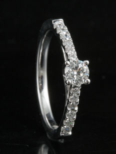 Brand new engagement ring with 0.50ct total weight diamonds. G, SI set in 18KT white gold. Size 54/N (free resizing in Antwerp)