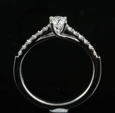 Brand new engagement ring with 0.50ct total weight diamonds. G colour, SI clarity set in 18KT white gold. Size 54/N (free resizing in Antwerp)