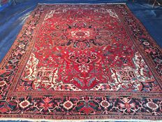 Oriental carpet - Persian Heriz - 100 % handwoven - value investment