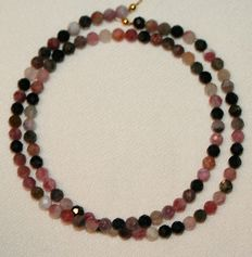 Necklace with facet cut tourmaline, clasp of 18 kt gold