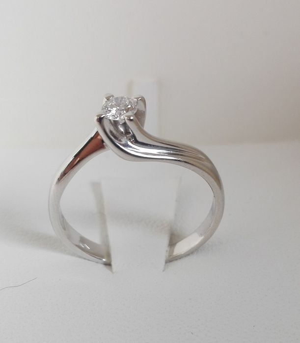 18 kt gold solitaire ring with 0.40 ct diamond, F/VVS - Size: 18 mm