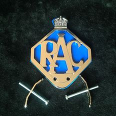 English RAC Badge in 100% perfect condition!