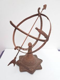 Sundial of cast iron and wrought iron - England - early 20th century