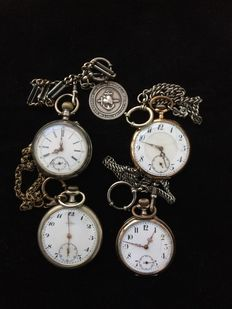 Four men's pocket watches, of which two with silver and one with gold case - first half of the 20th century.