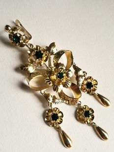 Stunning gold and crystal earrings 1940–50 No reserve price.