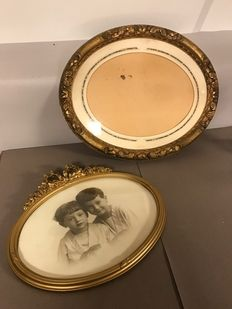 Two gold-plated oval photo frames of wood & plaster - France - ca. 1880