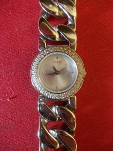 Guess - Women's watch with stones on the dial