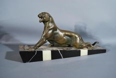 Panther - régule sculpture - green-coloured panther mounted on a multi-coloured base, original Art Deco piece