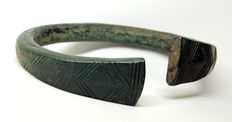 Celtic bronze bracelet decorated with a pattern - 66 mm