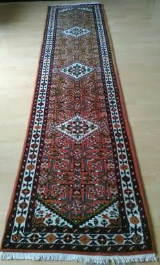Incredible hand-knoted INDIAN runer rug Angelas ,size: 332×78cm in very good condition