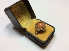 Coral ring - handmade, 14 kt