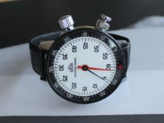 Superb HEUER GAME-MASTER wrist stopwatch for drivers