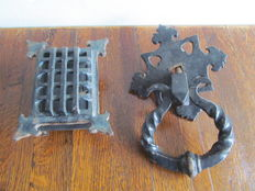 Wrought iron door knocker and peep-hatch - Belgium - ca. 1900