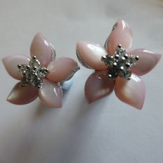 Diamond & Mother of Pearl 18kt Studs